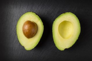 avocado-close-up-colors-557659.jpg